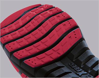 靴底のラバー部分を分割させることにより、屈曲性が抜群なソールです。
