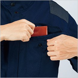 左胸 フラップ付き二重ポケット