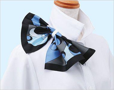 ESB494 enjoy 肌に優しいソフトタッチで透けにくく1枚着でも安心な半袖シャツブラウス 衿もとにスカーフのズレを防ぐループが付いています。ワンタッチで形が決まります。