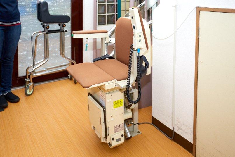 2階のお風呂へは昇降機で安全に移動が可能